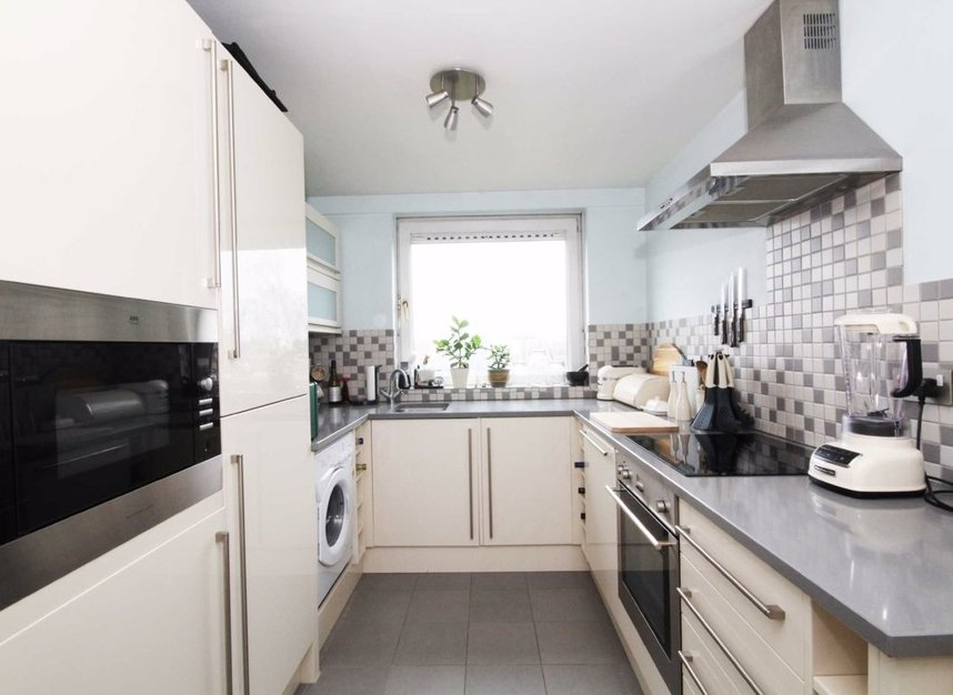 Properties for sale in Justin Close - TW8 8QF view3