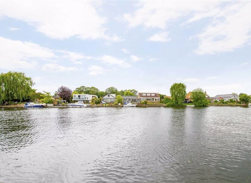 Properties for sale in Laleham Reach - KT16 8RR view4