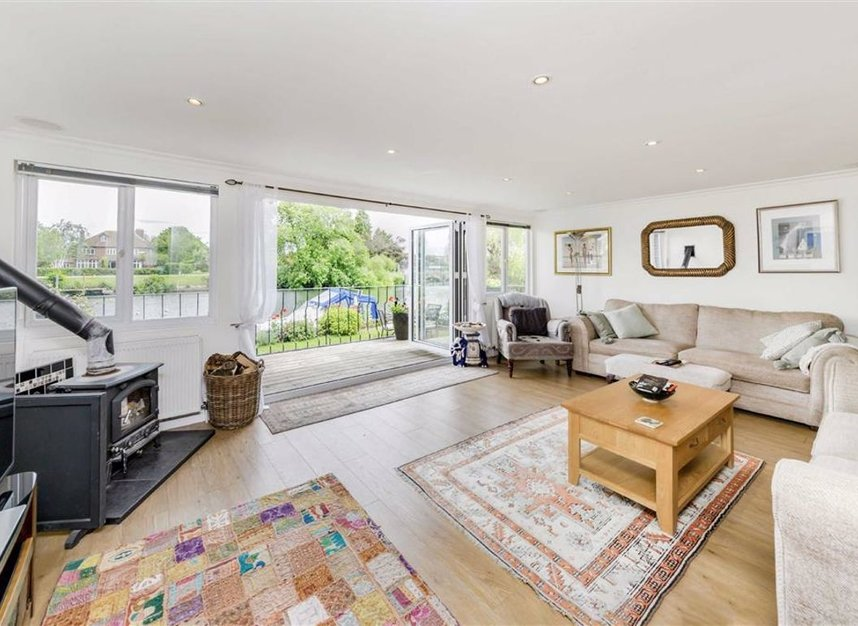 Properties for sale in Laleham Reach - KT16 8RR view3