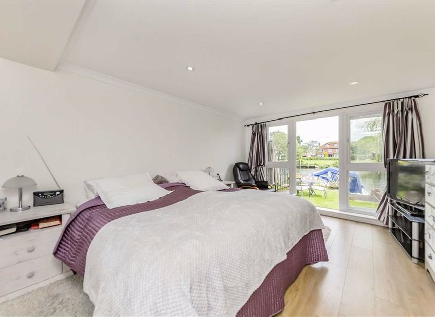Properties for sale in Laleham Reach - KT16 8RR view7
