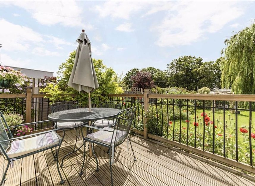 Properties for sale in Laleham Reach - KT16 8RR view8