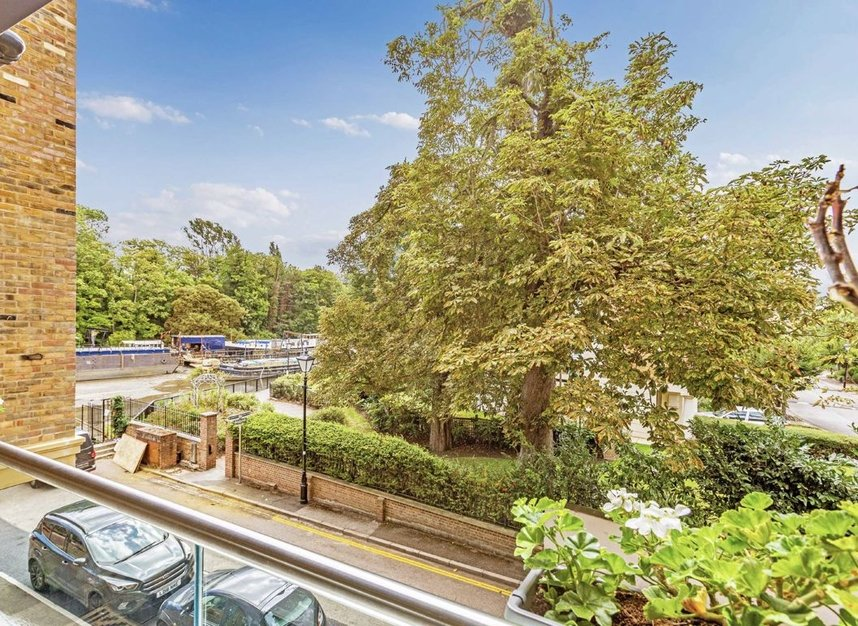 Properties for sale in Lion Wharf Road - TW7 6XX view4