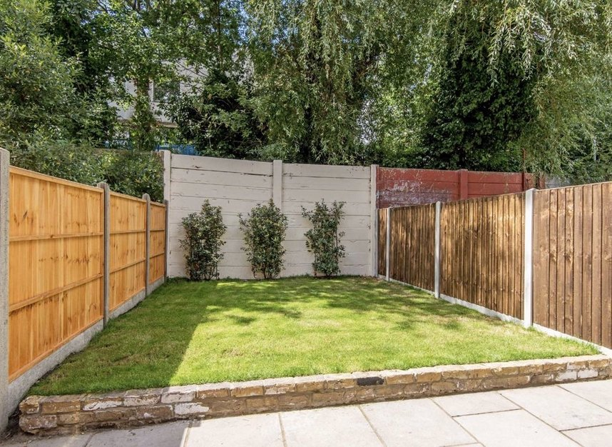 Properties for sale in Manchester Road - E14 3NU view5