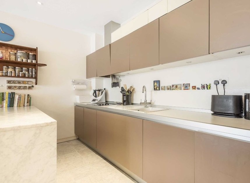 Properties for sale in Melliss Avenue - TW9 4BX view4
