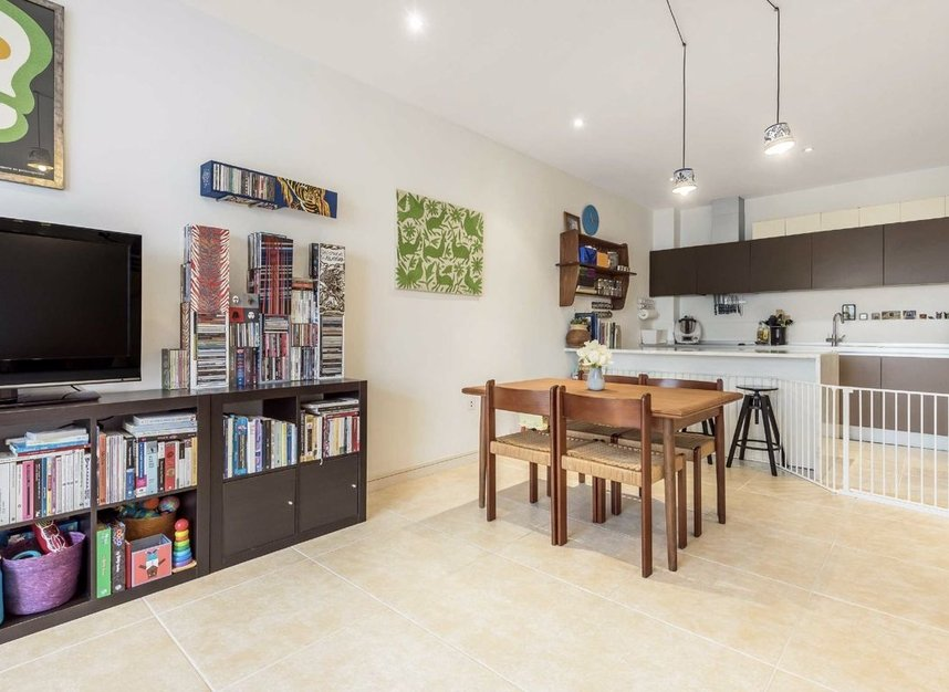 Properties for sale in Melliss Avenue - TW9 4BX view3