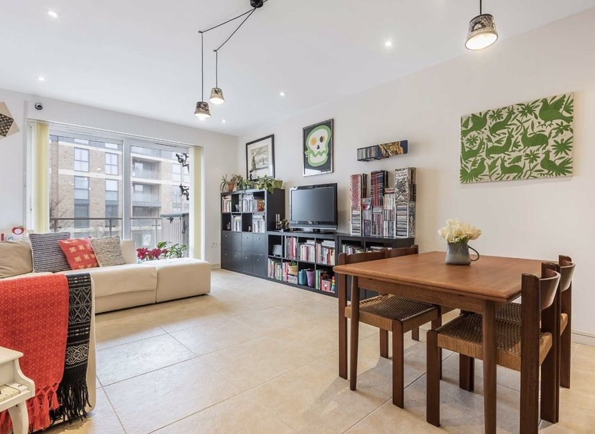 Properties for sale in Melliss Avenue - TW9 4BX view2