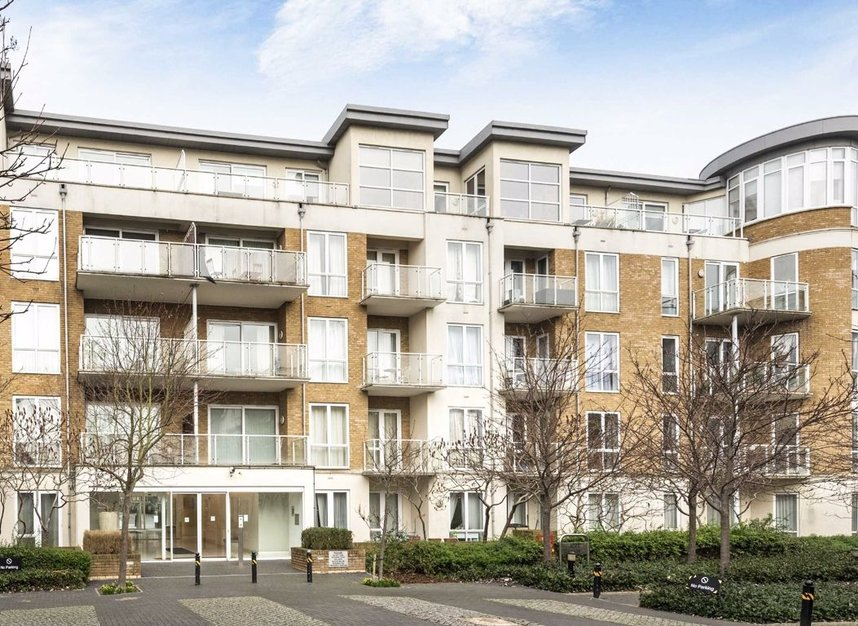 Properties for sale in Melliss Avenue - TW9 4BX view1