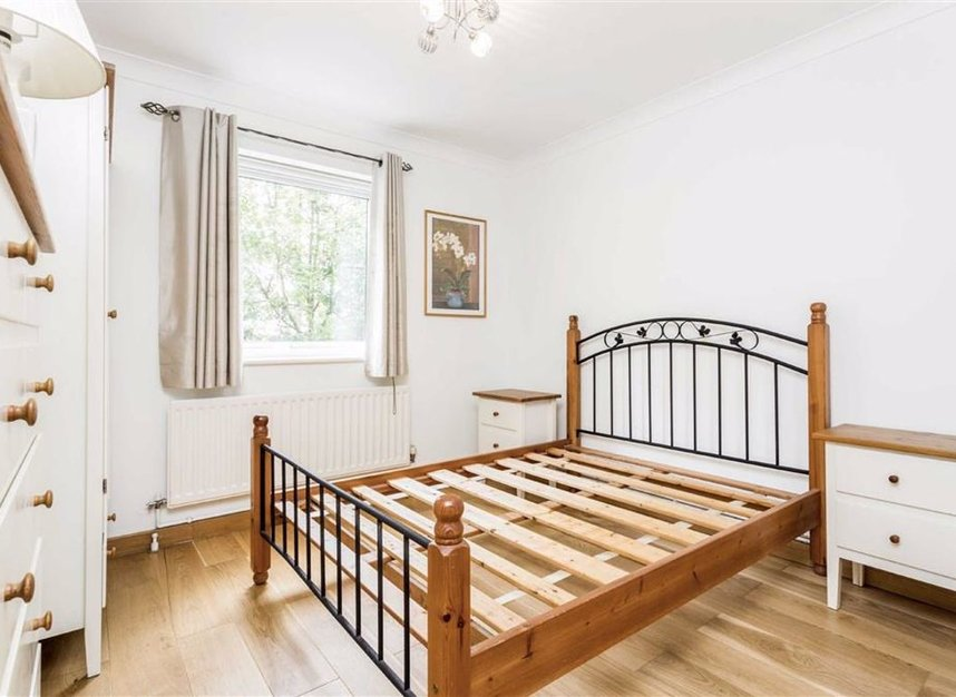 Properties for sale in Narrow Street - E14 8EJ view5