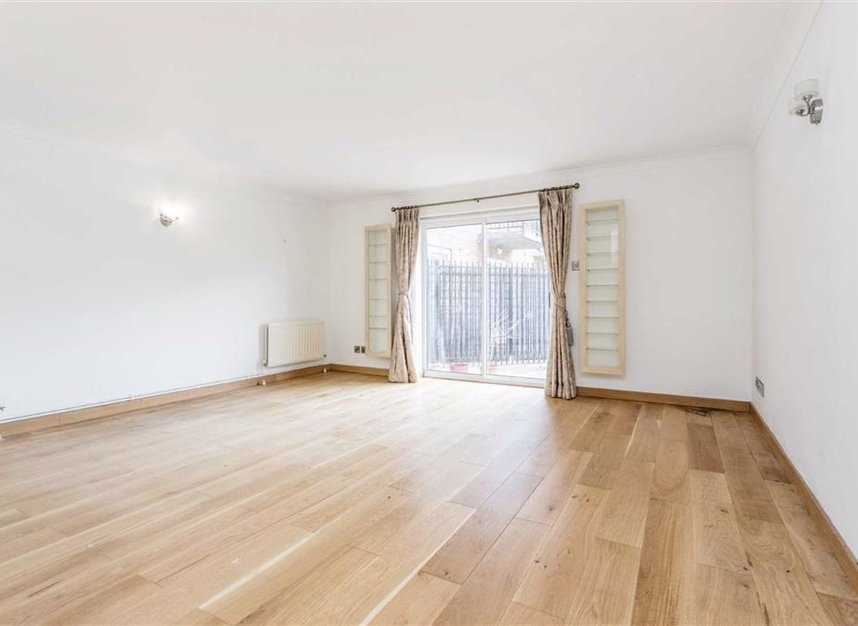 Properties for sale in Narrow Street - E14 8EJ view1