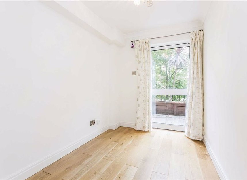 Properties for sale in Narrow Street - E14 8EJ view7