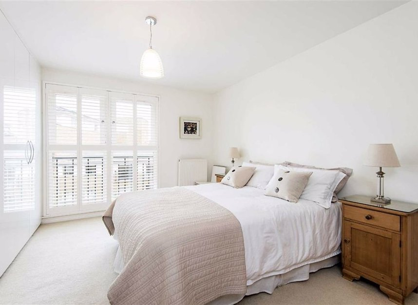 Properties for sale in Narrow Street - E14 8DD view4