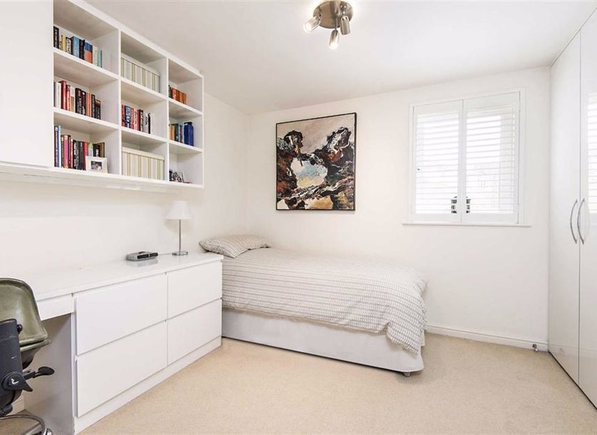 Properties for sale in Narrow Street - E14 8DD view6