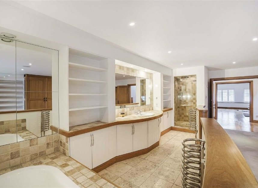 Properties for sale in Narrow Street - E14 8BP view7