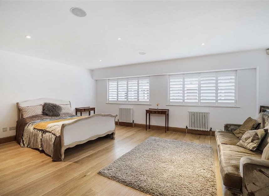 Properties for sale in Narrow Street - E14 8BP view6