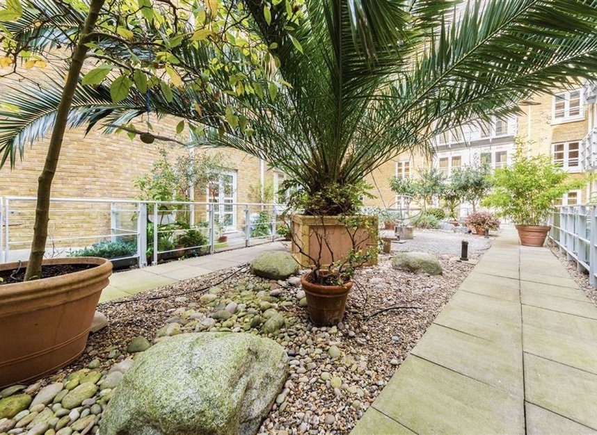 Properties sold in New Globe Walk - SE1 9DS view9