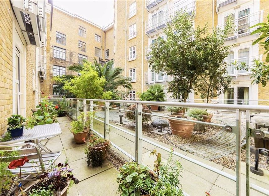 Properties sold in New Globe Walk - SE1 9DS view6