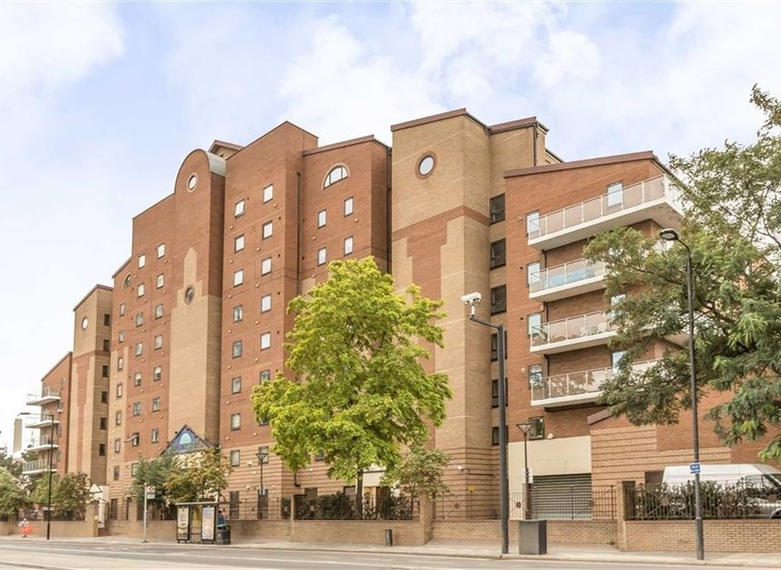 Properties for sale in Nine Elms Lane - SW8 5DF view1