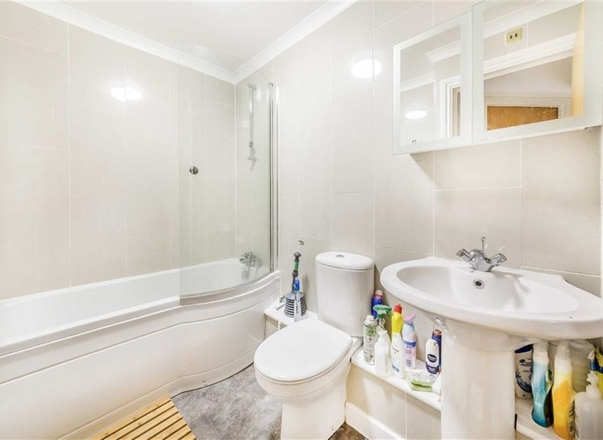 Properties for sale in Onega Gate - SE16 7PR view7