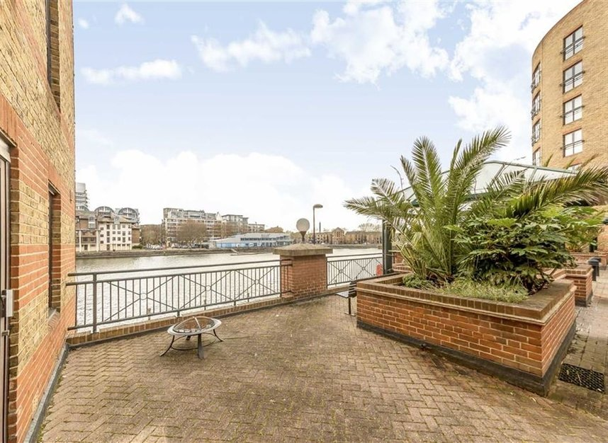 Properties for sale in Onega Gate - SE16 7PR view6