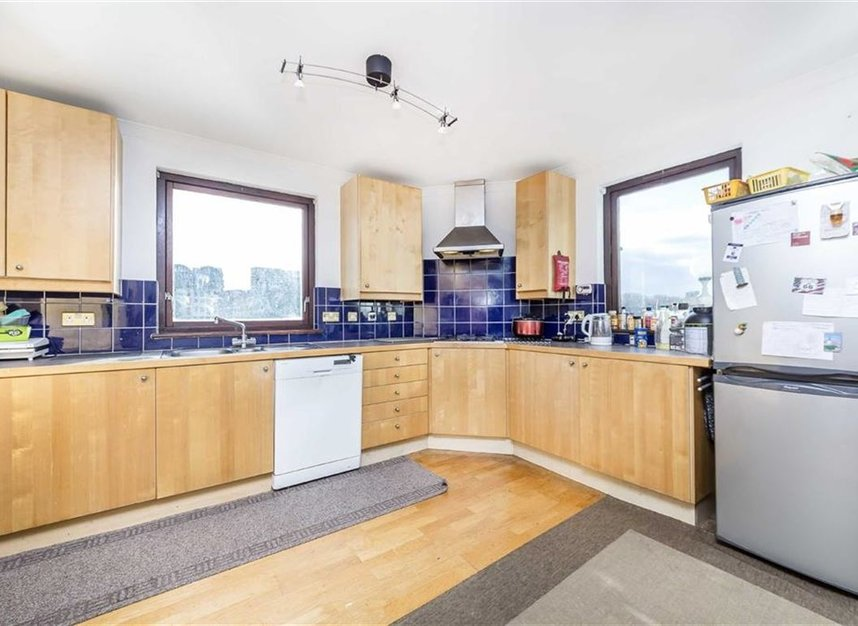 Properties for sale in Onega Gate - SE16 7PR view2
