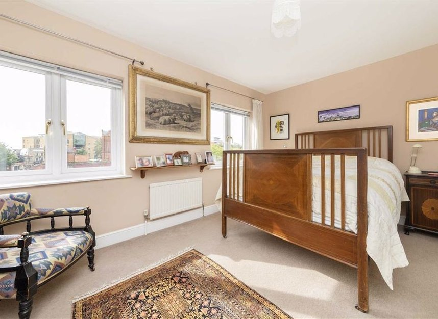 Properties for sale in Peartree Lane - E1W 3SR view4