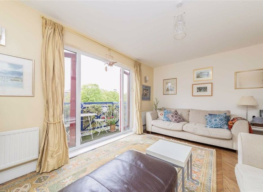 Properties for sale in Peartree Lane - E1W 3SR view3