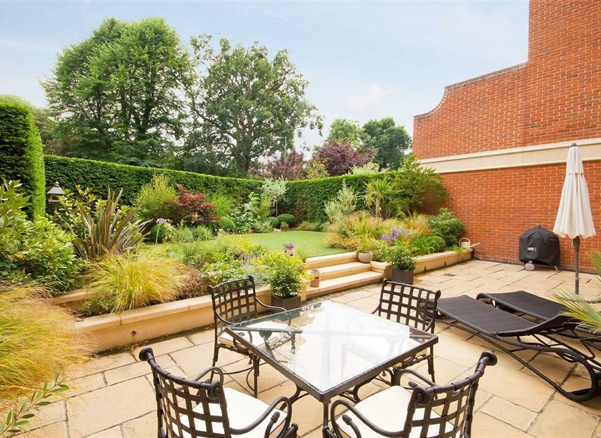 Properties for sale in Pomeroy Close - TW1 1QB view13