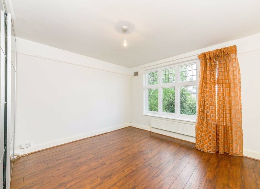 Properties sold in Portsmouth Road - KT6 4HG view8
