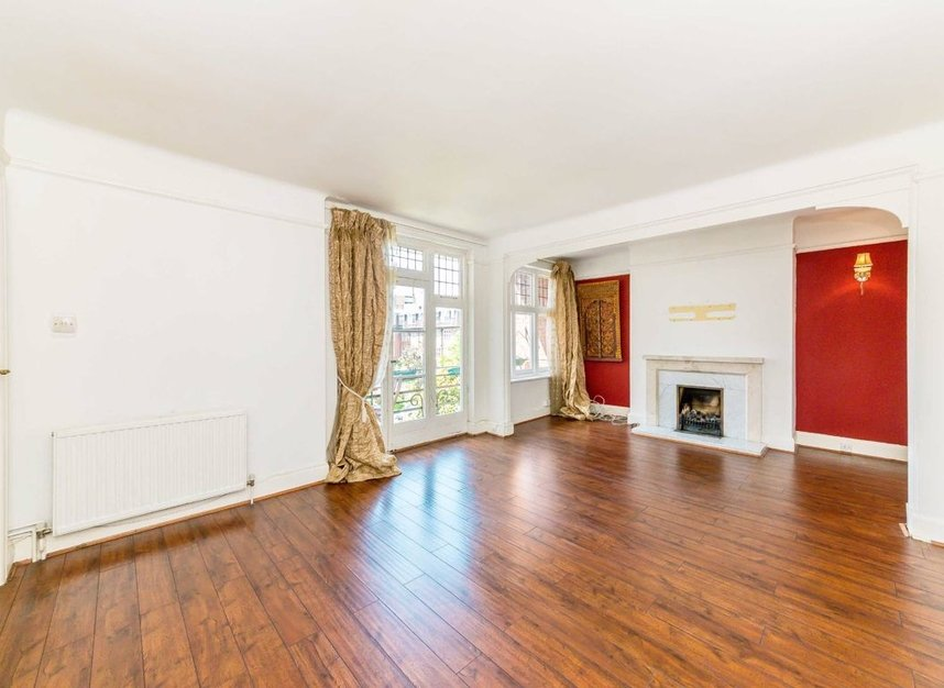 Properties for sale in Portsmouth Road - KT6 4HG view2