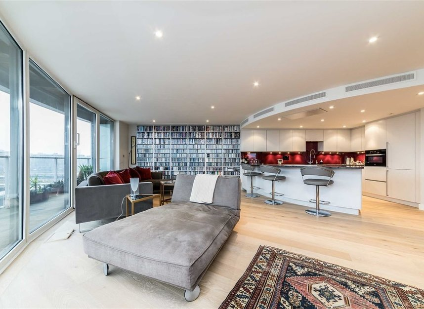 Properties for sale in Queenstown Road - SW11 8NW view5