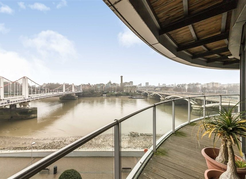 Properties for sale in Queenstown Road - SW11 8NW view3