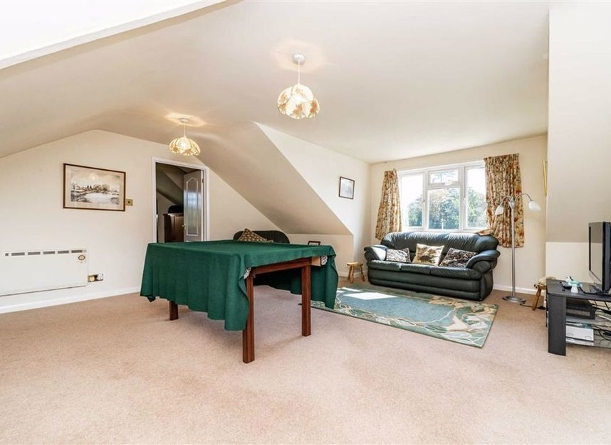 Properties sold in River Ash Estate - TW17 8NG view5