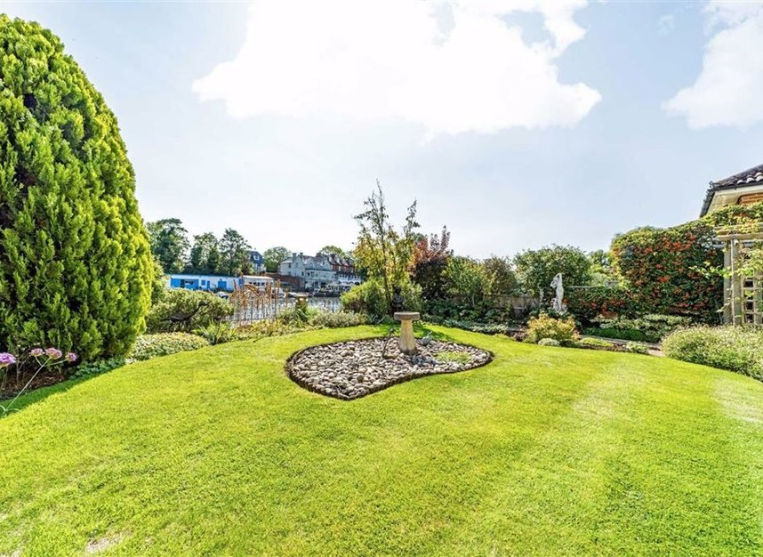Properties sold in River Ash Estate - TW17 8NG view7