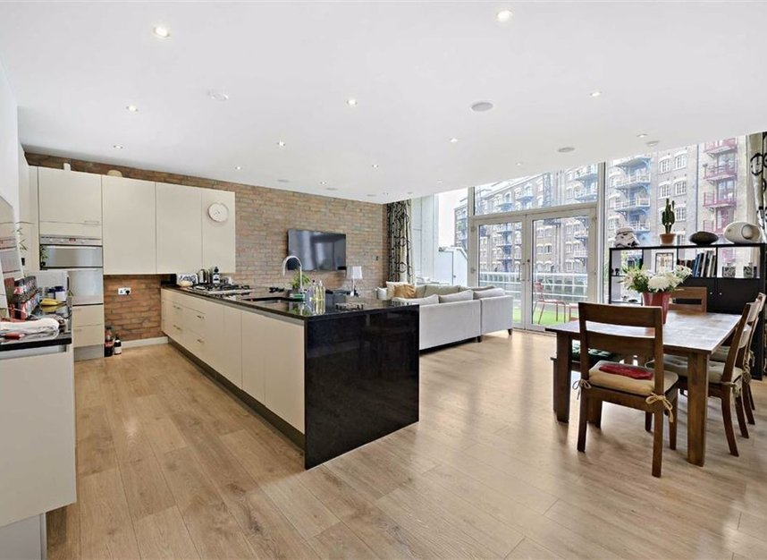 Properties for sale in Shad Thames - SE1 2YQ view3