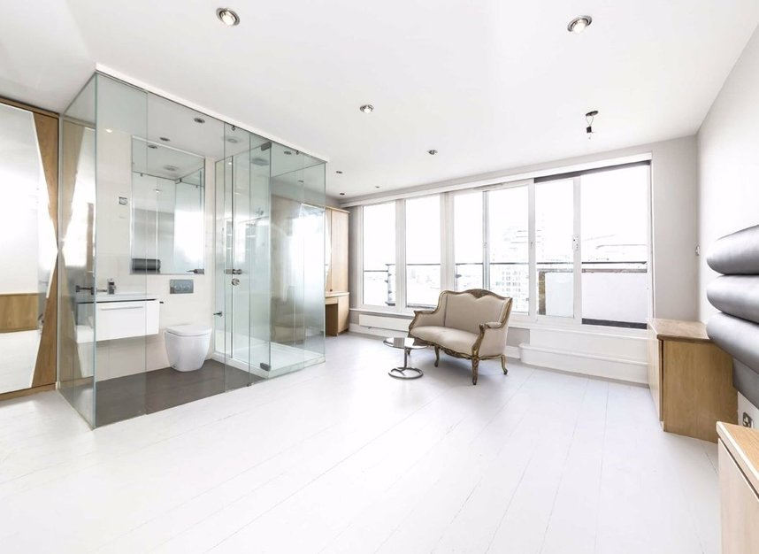 Properties for sale in Smugglers Way - SW18 1DG view3