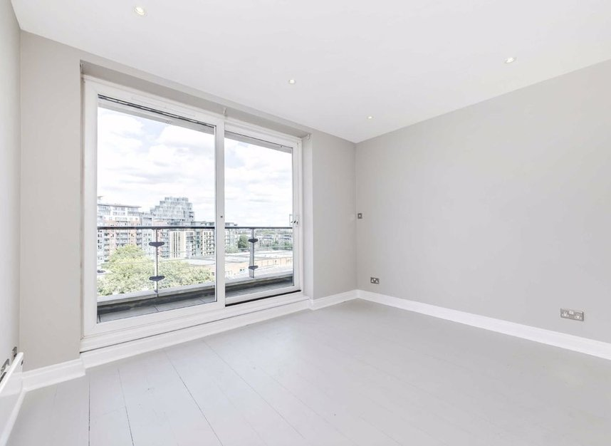 Properties for sale in Smugglers Way - SW18 1DG view5