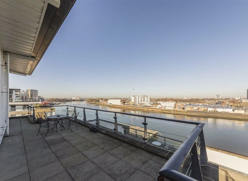 Properties for sale in Smugglers Way - SW18 1DG view1