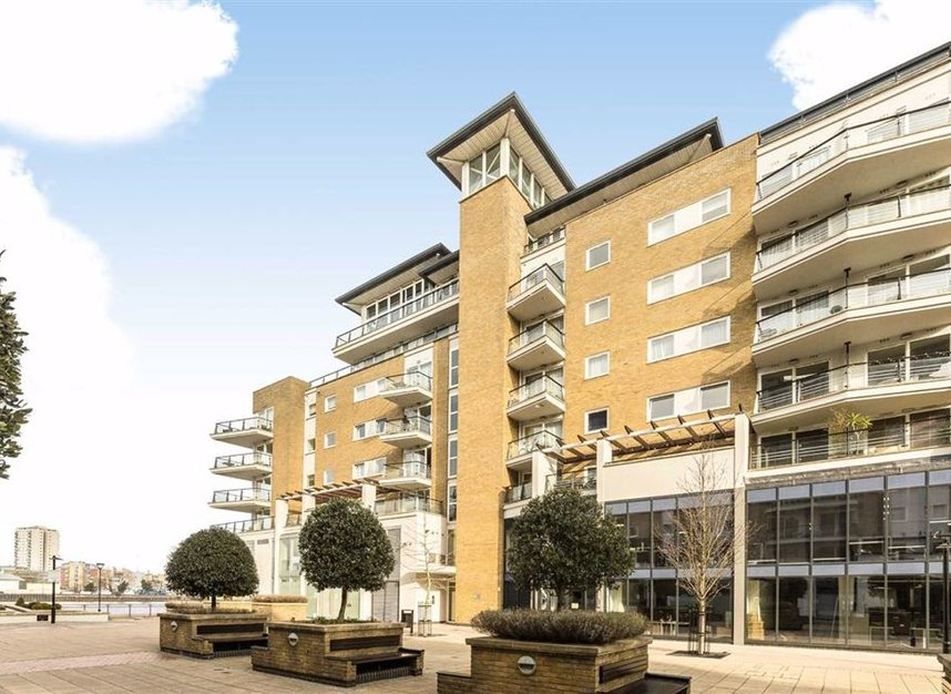 Properties for sale in Smugglers Way - SW18 1DG view8