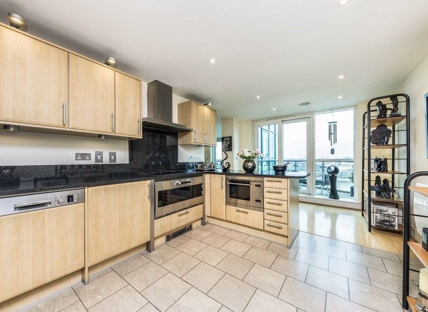 Properties for sale in St. George Wharf - SW8 2LW view4