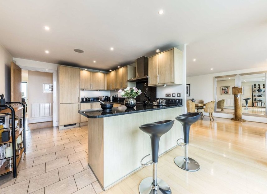 Properties for sale in St. George Wharf - SW8 2LW view10