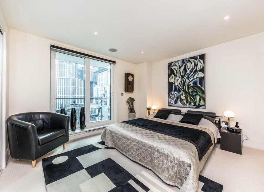 Properties for sale in St. George Wharf - SW8 2LW view8