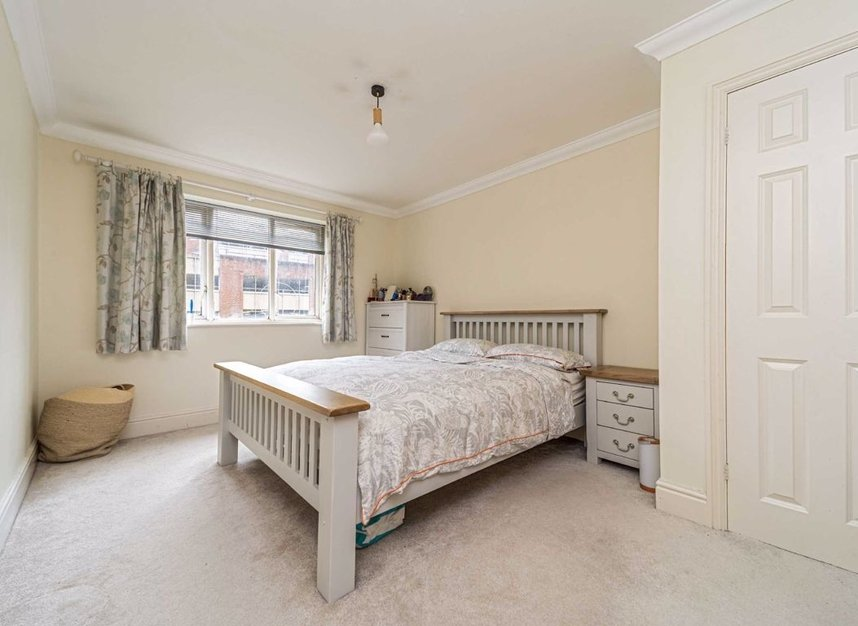 Properties for sale in Steadfast Road - KT1 1PL view5