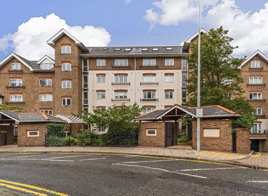 Properties for sale in Steadfast Road - KT1 1PL view1