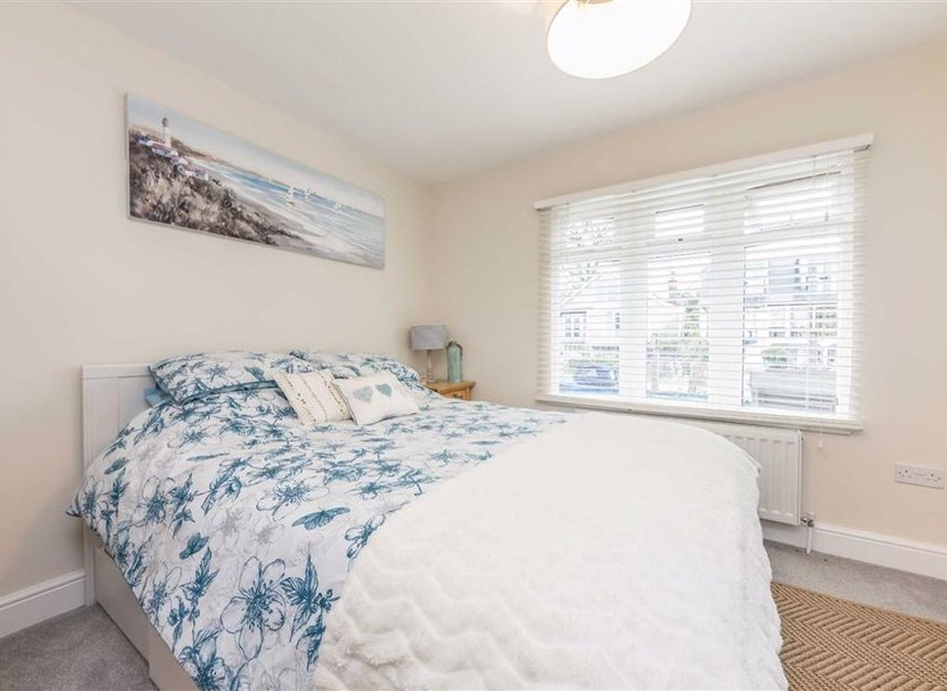 Properties for sale in Sunbury Court Island - TW16 5PP view3