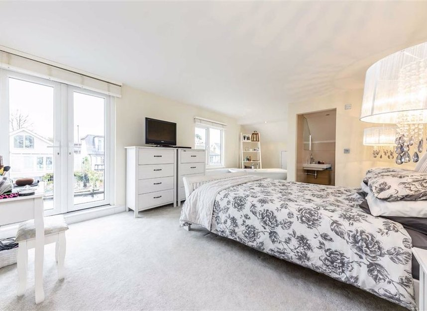 Properties for sale in Sunbury Court Island - TW16 5PP view4