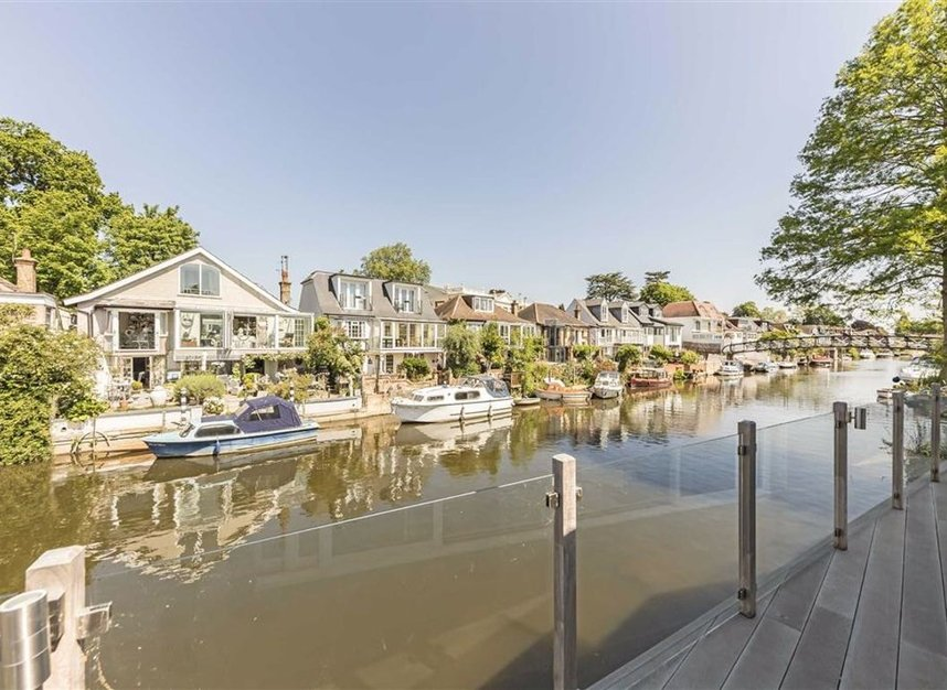 Properties for sale in Sunbury Court Island - TW16 5PP view5