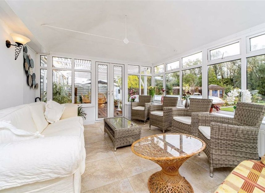 Properties for sale in Temple Gardens - TW18 3NQ view7