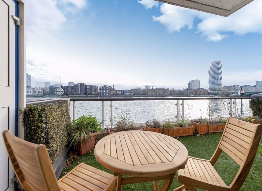 Properties for sale in Thames Quay - SW10 0UY view1