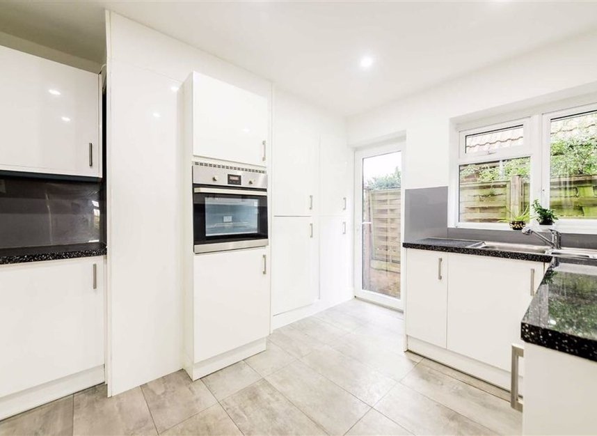 Properties for sale in Thames Side - TW18 2HF view3