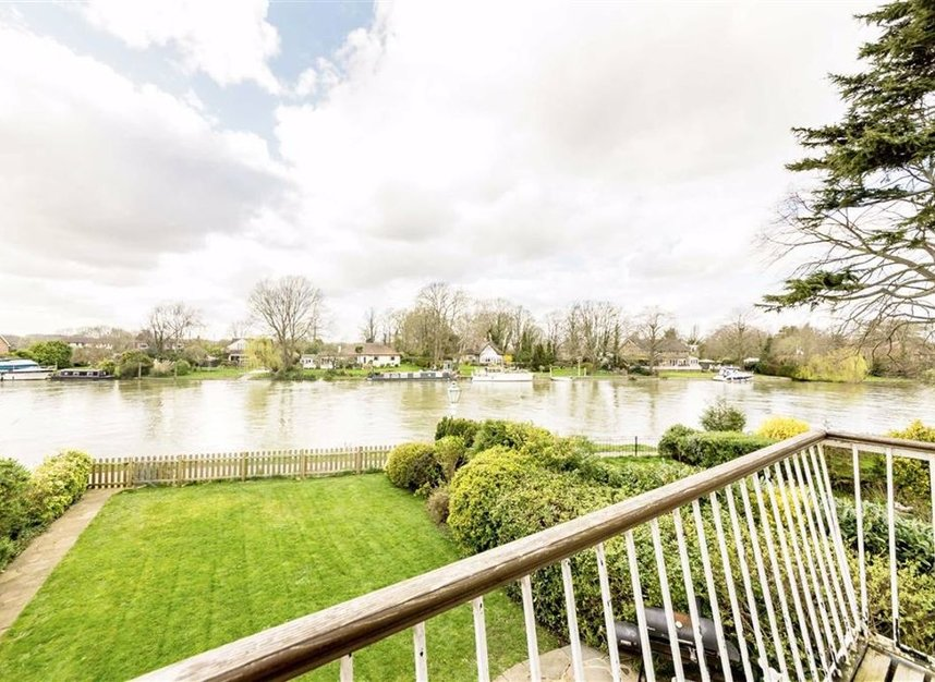 Properties for sale in Thames Side - TW18 2HF view8